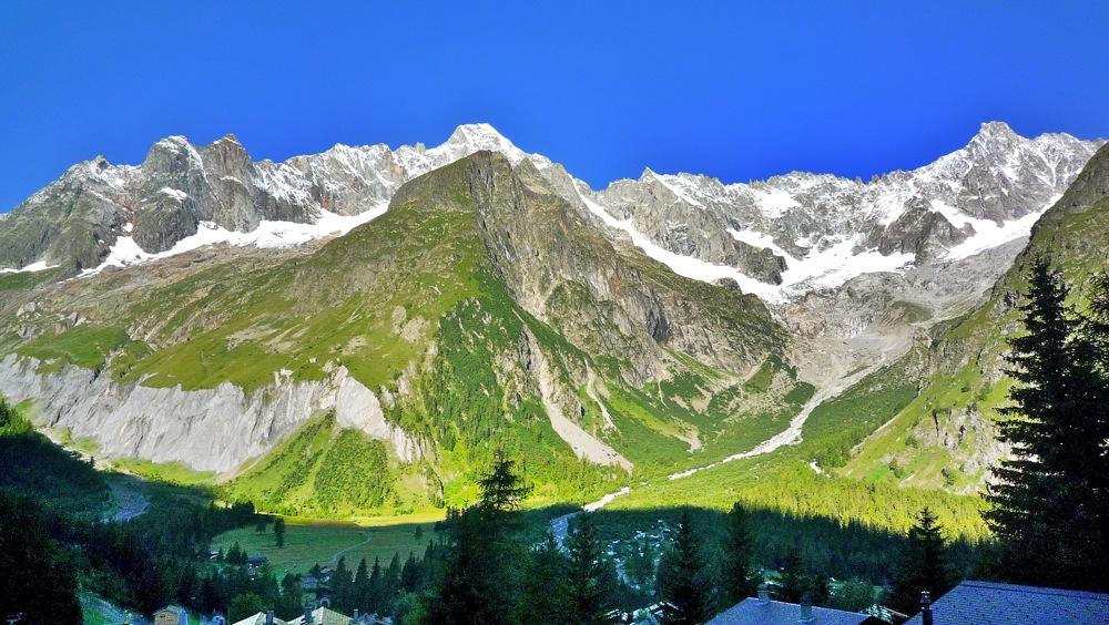 La Fouly, village du Valais, à 1600m d'altitude (image hdr)